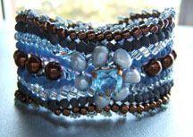 Timeless Hourglass Bracelet Beading Pattern by Barbara Ellis at Bead-Patterns.com