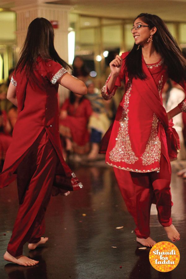 Top 10 Sangeet Choreographers to dance the night away! #sangeet #choreography #cocktaildance #weddingfun #weddingdiaries #indianwedding #weddingplanning