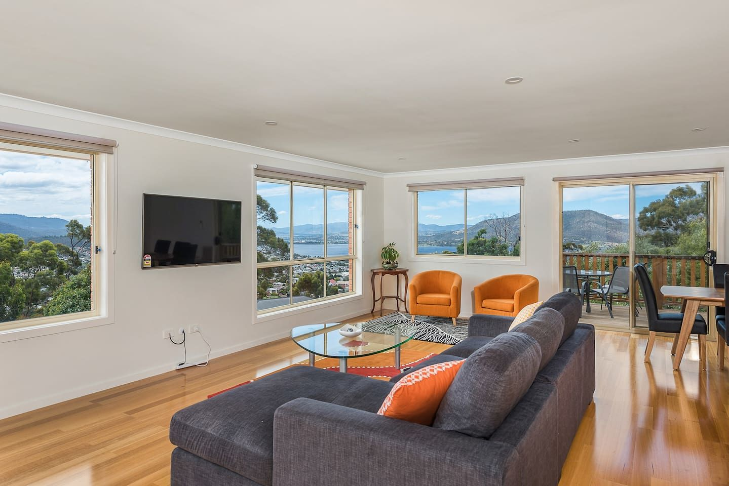 Mayhill Views Apartment For Rent In West Moonah Tasmania Australia Holiday Accommodation Professionally Managed In 2020 Renting A House Apartments For Rent House