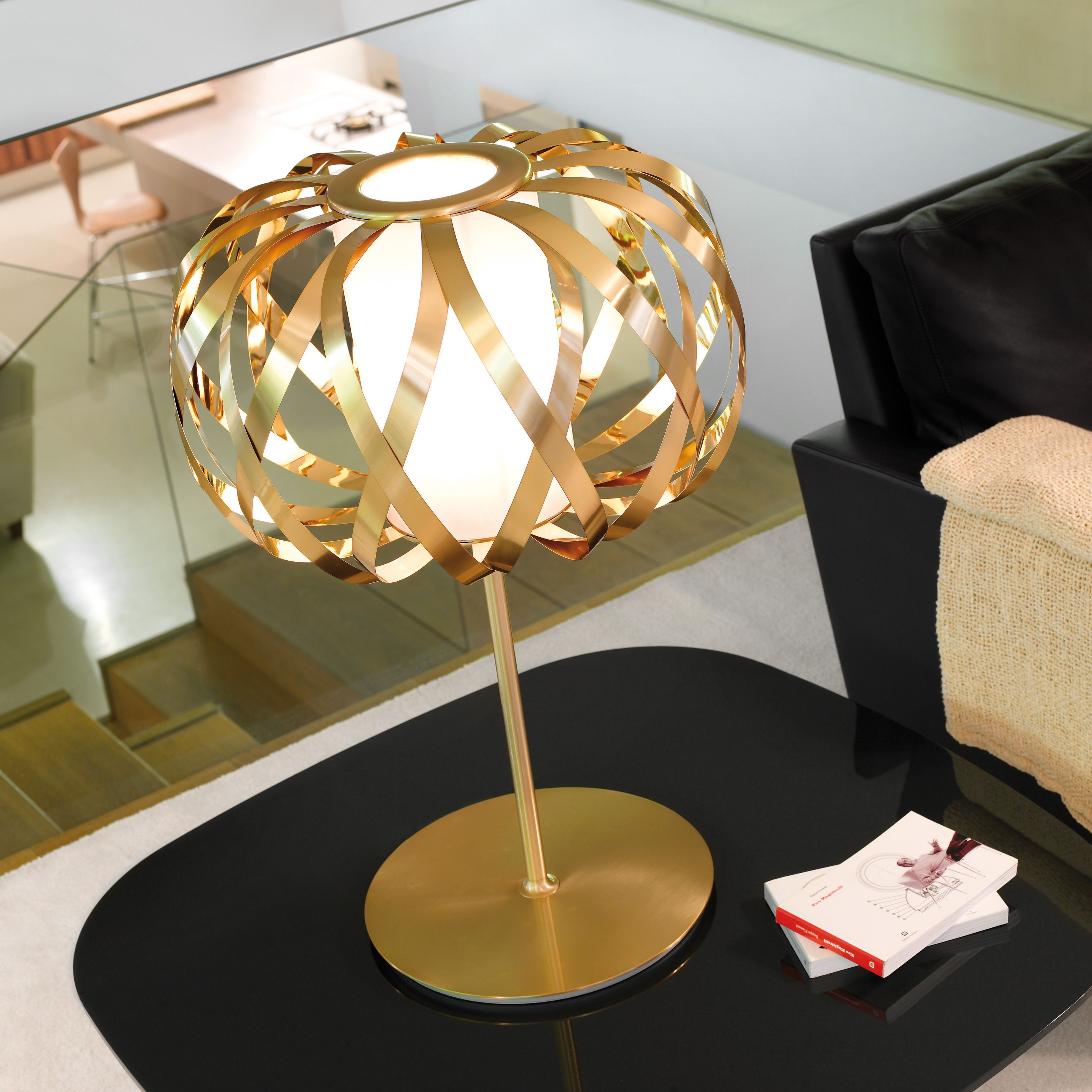 Company: BOVER Name: ROLANDA   T Gold Design: Christophe Mathieu / 2007  Typology: Table Lamp Environment: Indoor Www.
