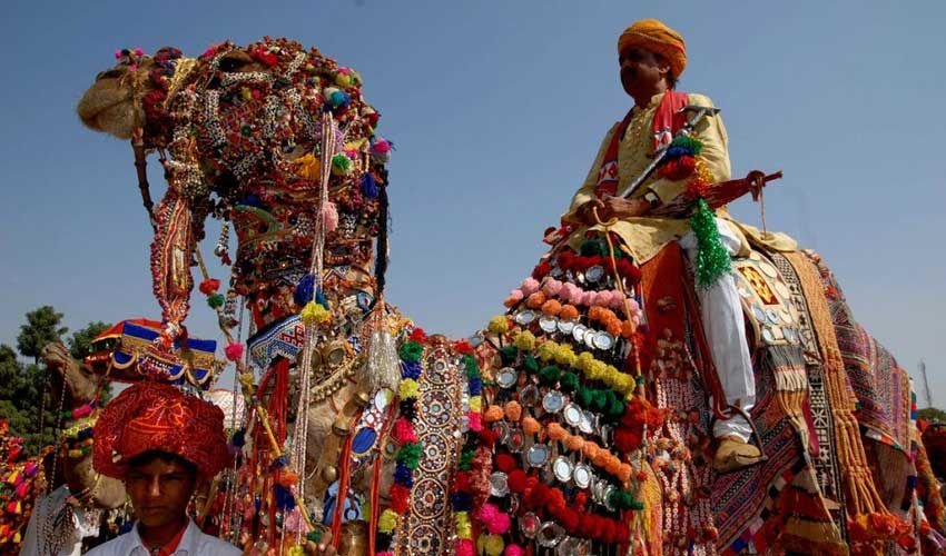 Atmosphere-of-the-Pushkar-Fair-India-Travel--Guide-Guiddoo