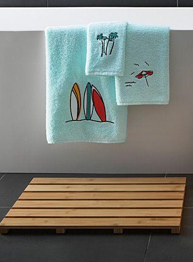 Tapis de bois, comme au spa Rideaux de douche et accessoires de