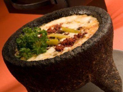 #LaCocinadeLupita Queso Fundido con Chorizo y Rajas ver màs: http://noticiasdechiapas.com.mx/nota.php?id=89252 …