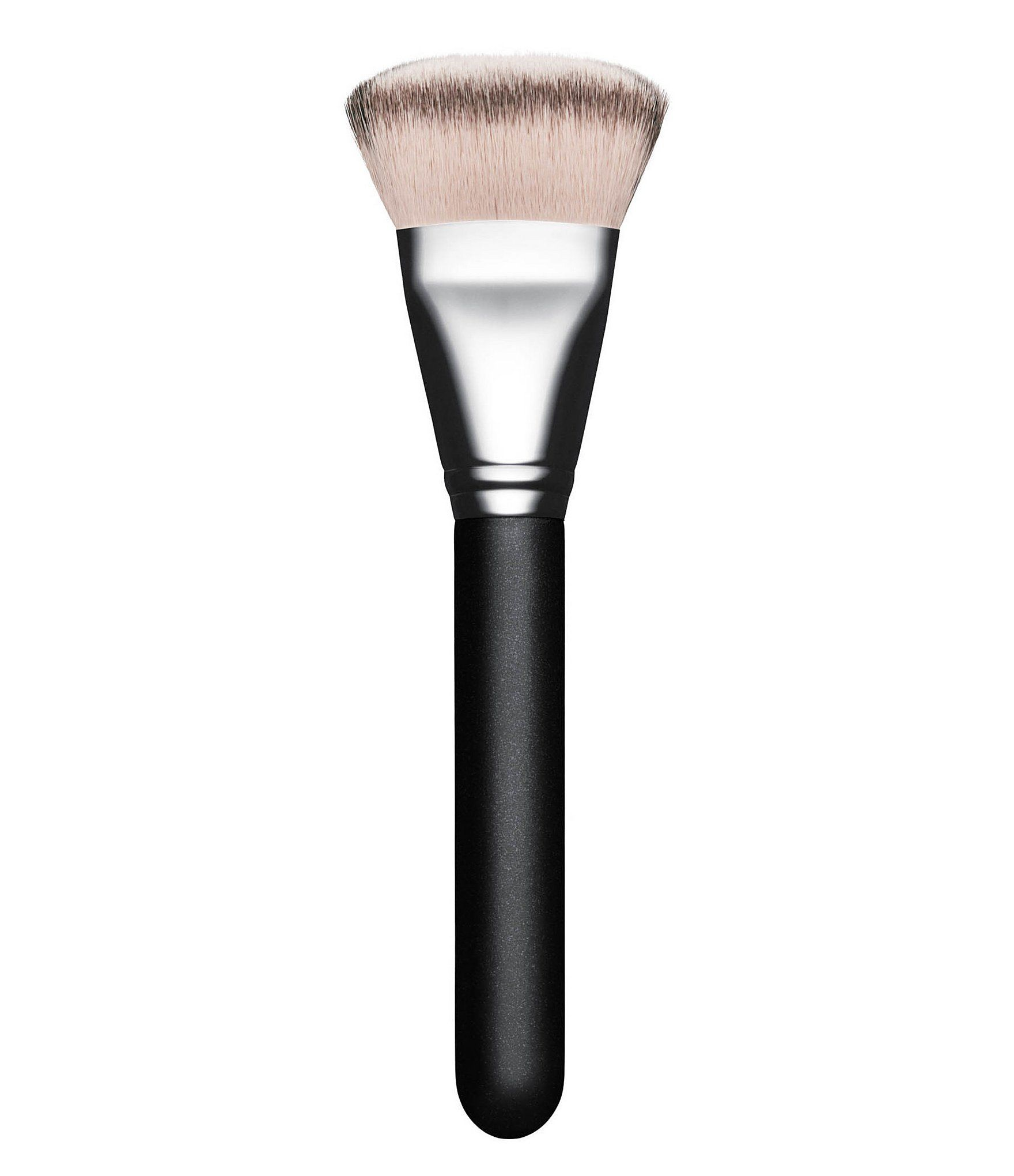 A face brush with a split of two types of synthetic fibres for more colour deposit and coverage. This densely packed brush has semi-short fibres with a rounded but flat top, chiseled at every angle, for maximum product pick-up and a more precise application. MAC professional brushes are hand-sculpted and assembled using the finest quality materials. MAC's 100% synthetic brushes incorporate the latest innovations in fibre technology for super