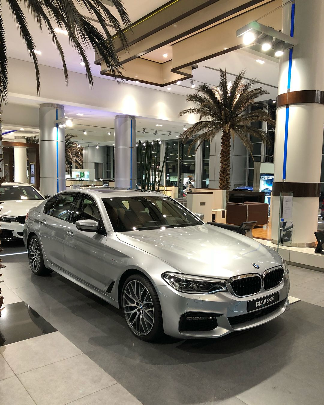 Bmw 540i Pure Metal Silver 6 Cylinders Inline Twin Power Turbo 340