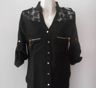 Una #blusa con mucho #estilo en color negro  y detalles dorados