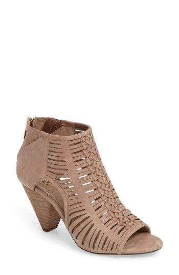 93463404b543 VINCE CAMUTO WOMEN S VINCE CAMUTO ELDORA SANDAL.  vincecamuto  shoes ...