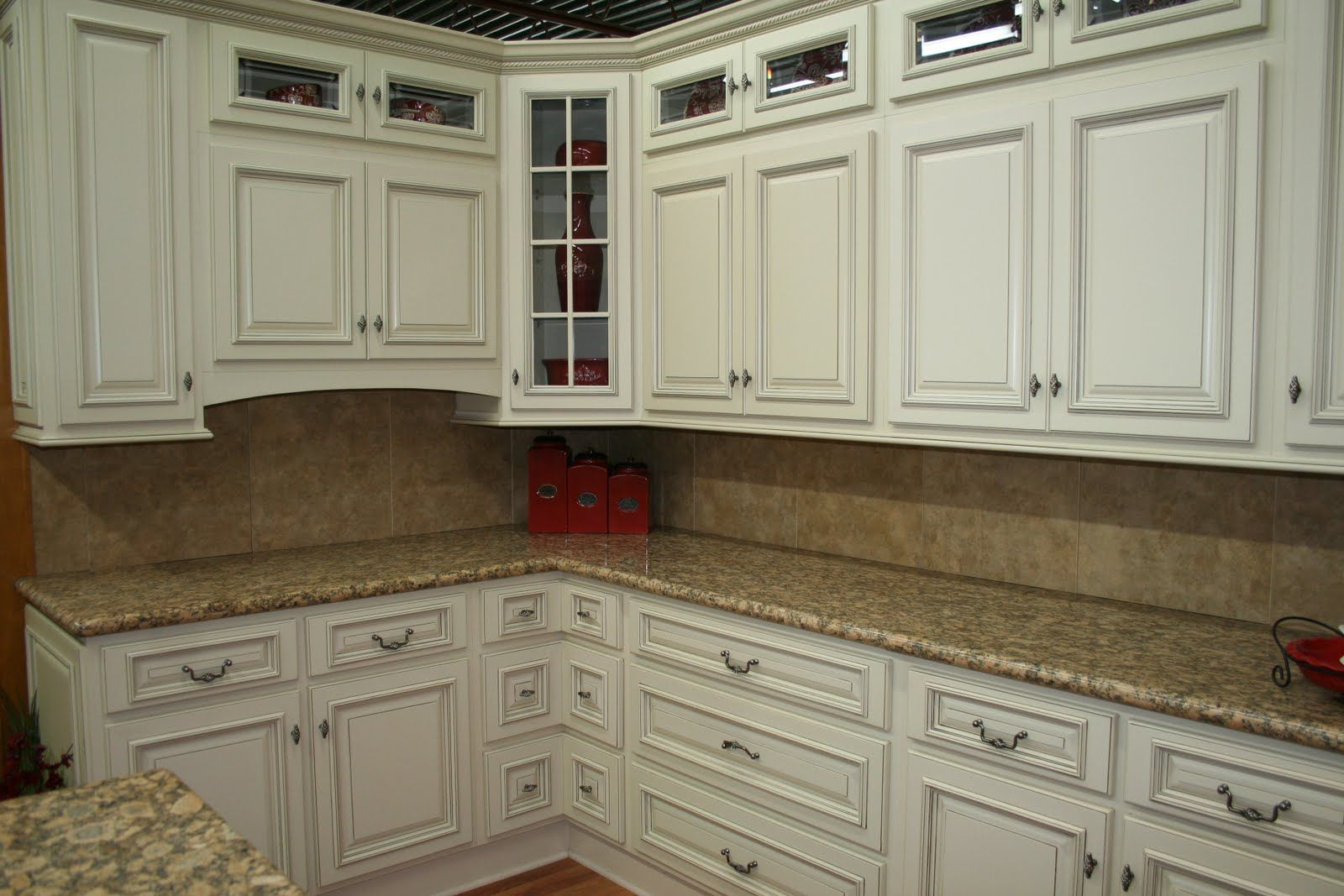 White Kitchen Designs Stone Wood Design Center High Quality Products And Exper Antique White Kitchen Cabinets Vintage Kitchen Cabinets Kitchen Cabinet Design