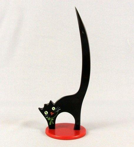 ca.1930 ART DECO CHERRY RED BLACK BAKELITE CAT RING HOLDER