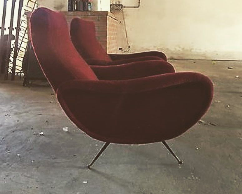 Falling in love with Lady Chair ..#chesterfieldsofa #homelovers #home #interiordesign #housedesign #design #designinspiration #housedesign #housedesign #arredamento #arredamentointerni #arredocasa #poltrone