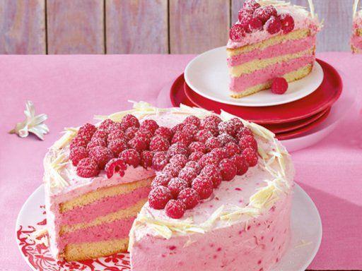 Schichttorte Mit Sahniger Himbeer Creme Rezept Kuchen Und
