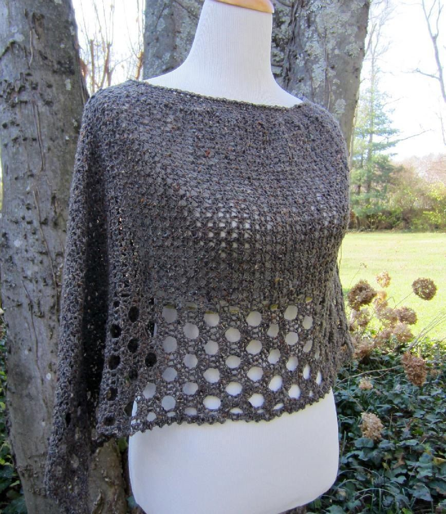 Kelley's Ponchito Crochet pattern by Julie Blagojevich | Strickanleitungen | LoveKnitting
