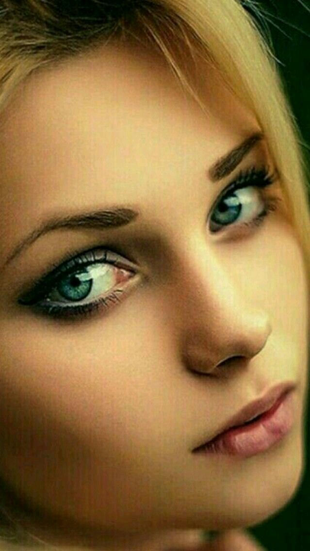 окна показать фото одного красивого женского глаза покупке материала следует