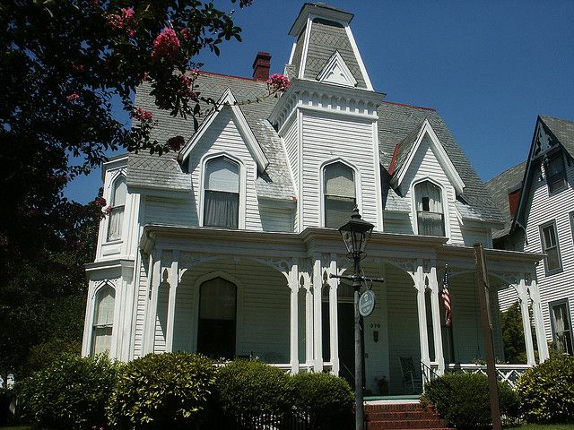 Gothic revival architecture design traditional for Gothic revival homes for sale