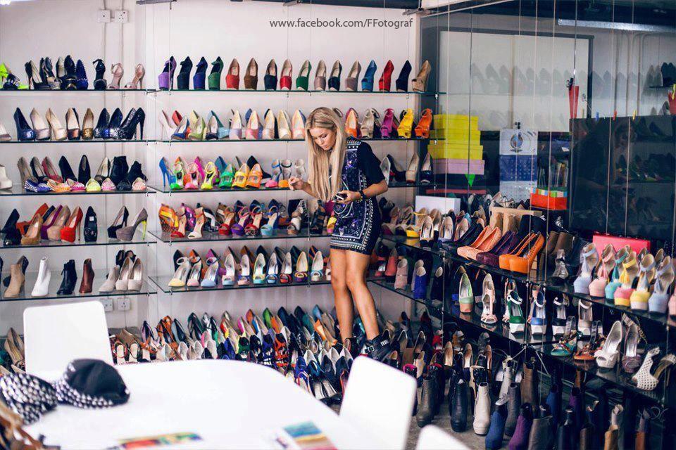 #DatoCurioso Sabias que en eBay cada 5 segundos se compra un par de Zapatos? :D Muchos zapatos!