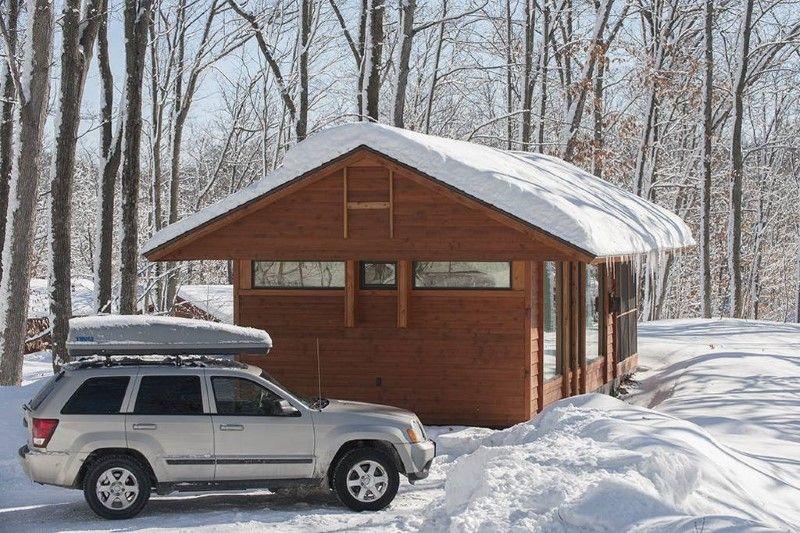 Es sieht aus wie eine kleine Holzhütte. Doch in