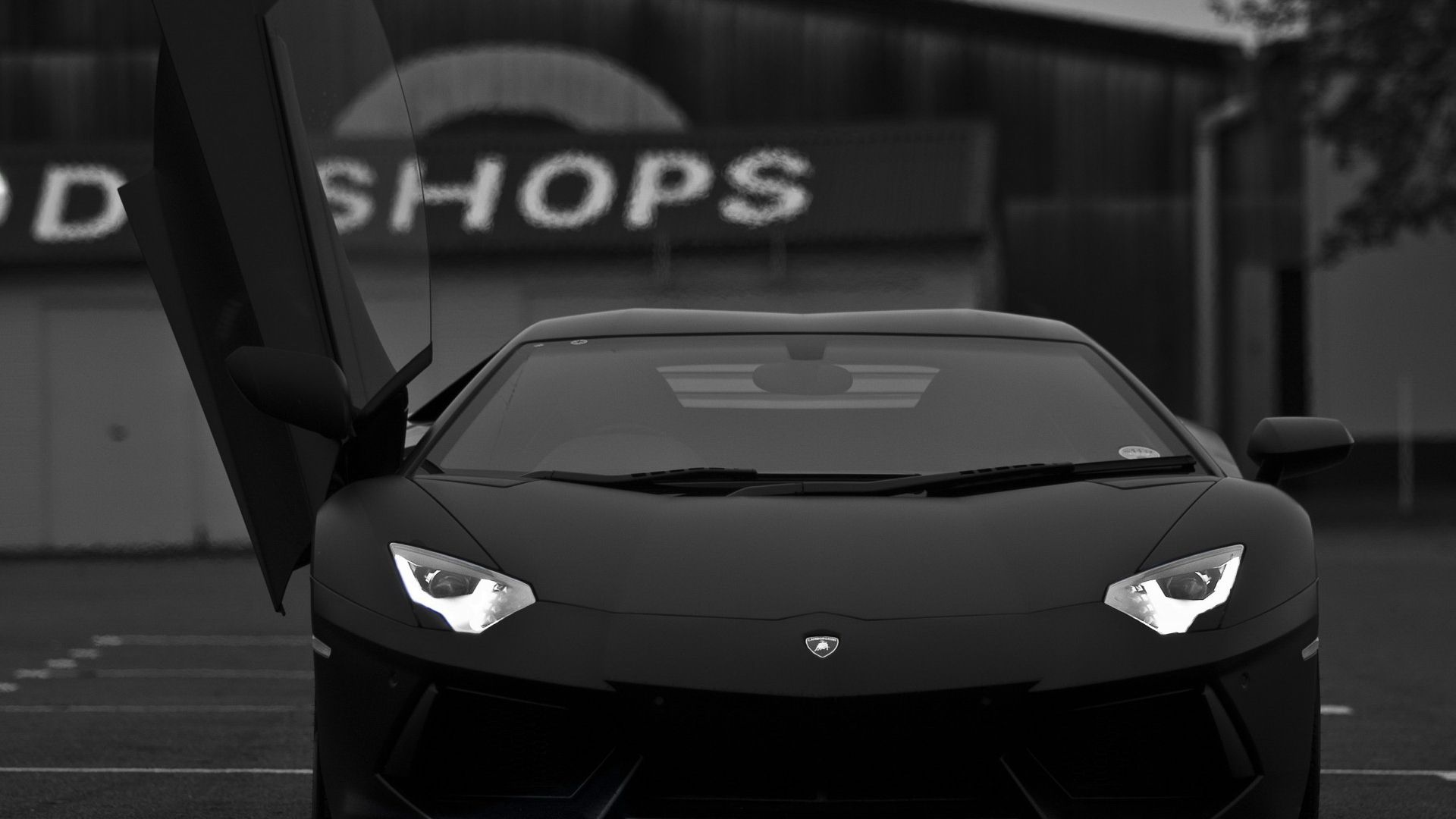 Lamborghini Aventador 1366x768 Hd Wallpaper Black And White