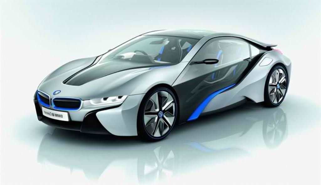 The new BMW i8 Concept the gullwing challenge to Mclaren