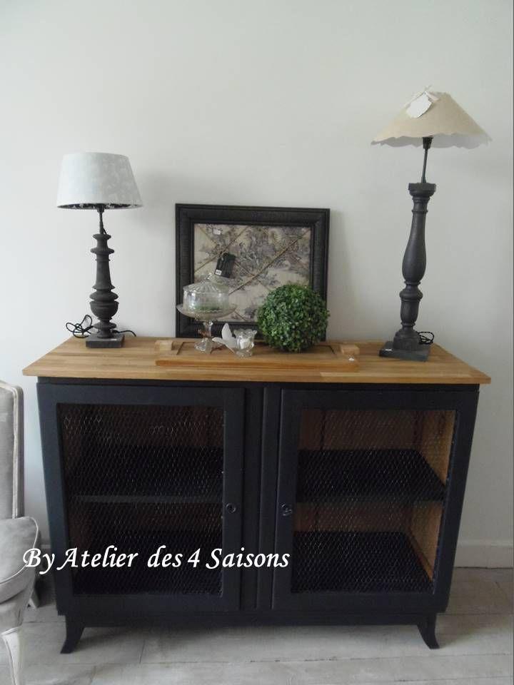 Jouez la carte de la simplicité avec ce buffet vintage patiné gris - repeindre un meuble en chene