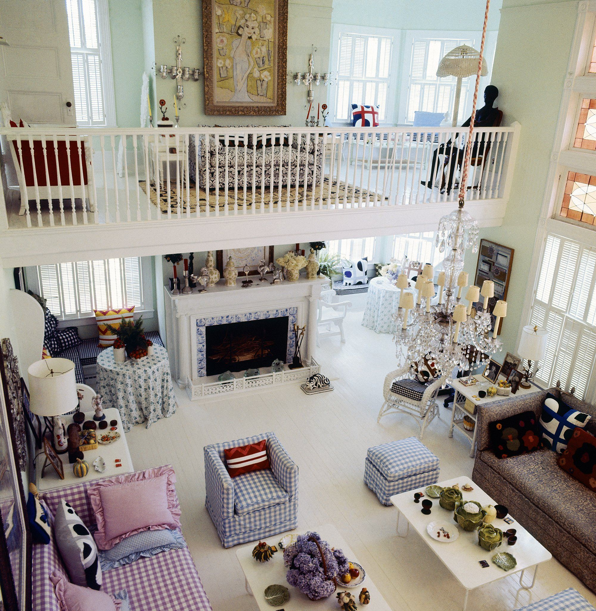 United Nations Dining Room: Inside The Life And Homes Of Gloria Vanderbilt