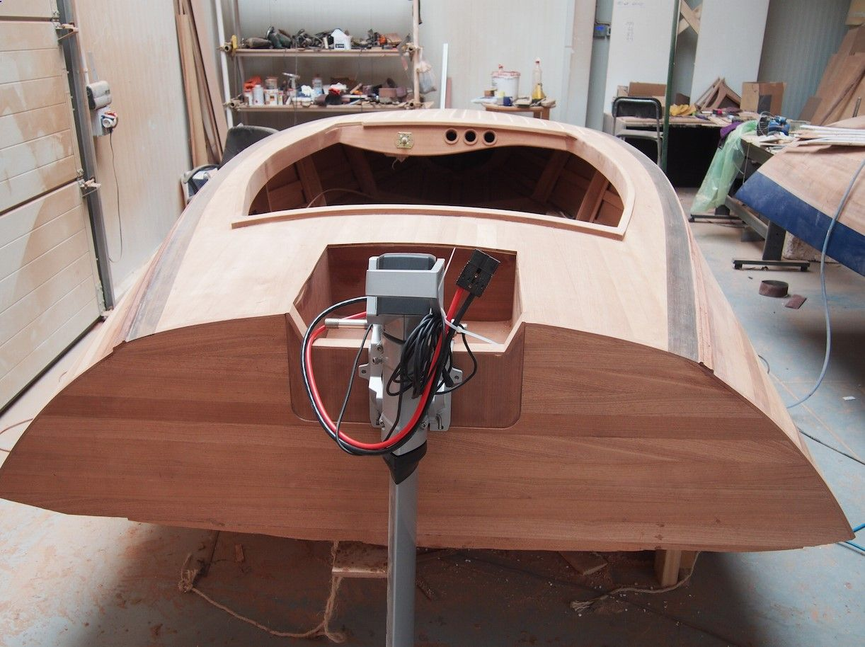 Classic Wooden Boat Plans » Banshee 14 Runabout | Motor Boats | Classic wooden boats, Boat ...