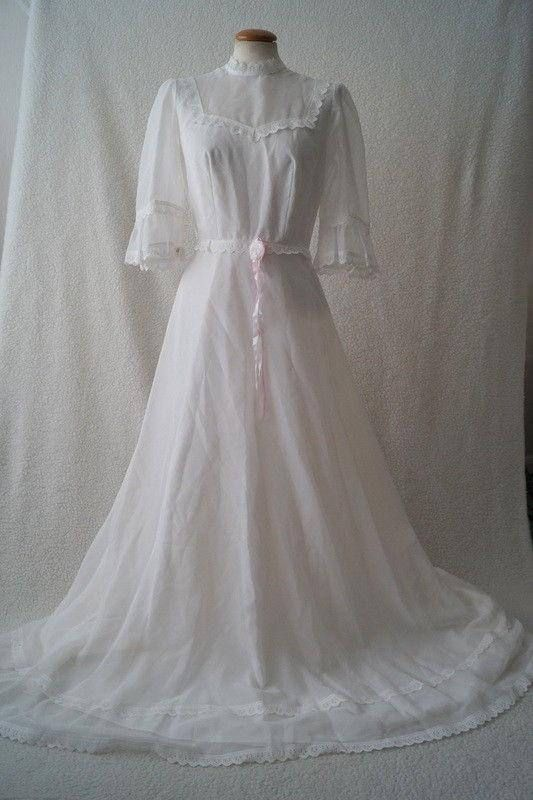 Where To Rent Buy And Sell Your Wedding Dress The Borrowed Blog Online Wedding Dress Wedding Dresses Rental Wedding Dresses