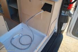 Bildergebnis f r furgoneta camper ducha camper - Duchas portatiles camping ...