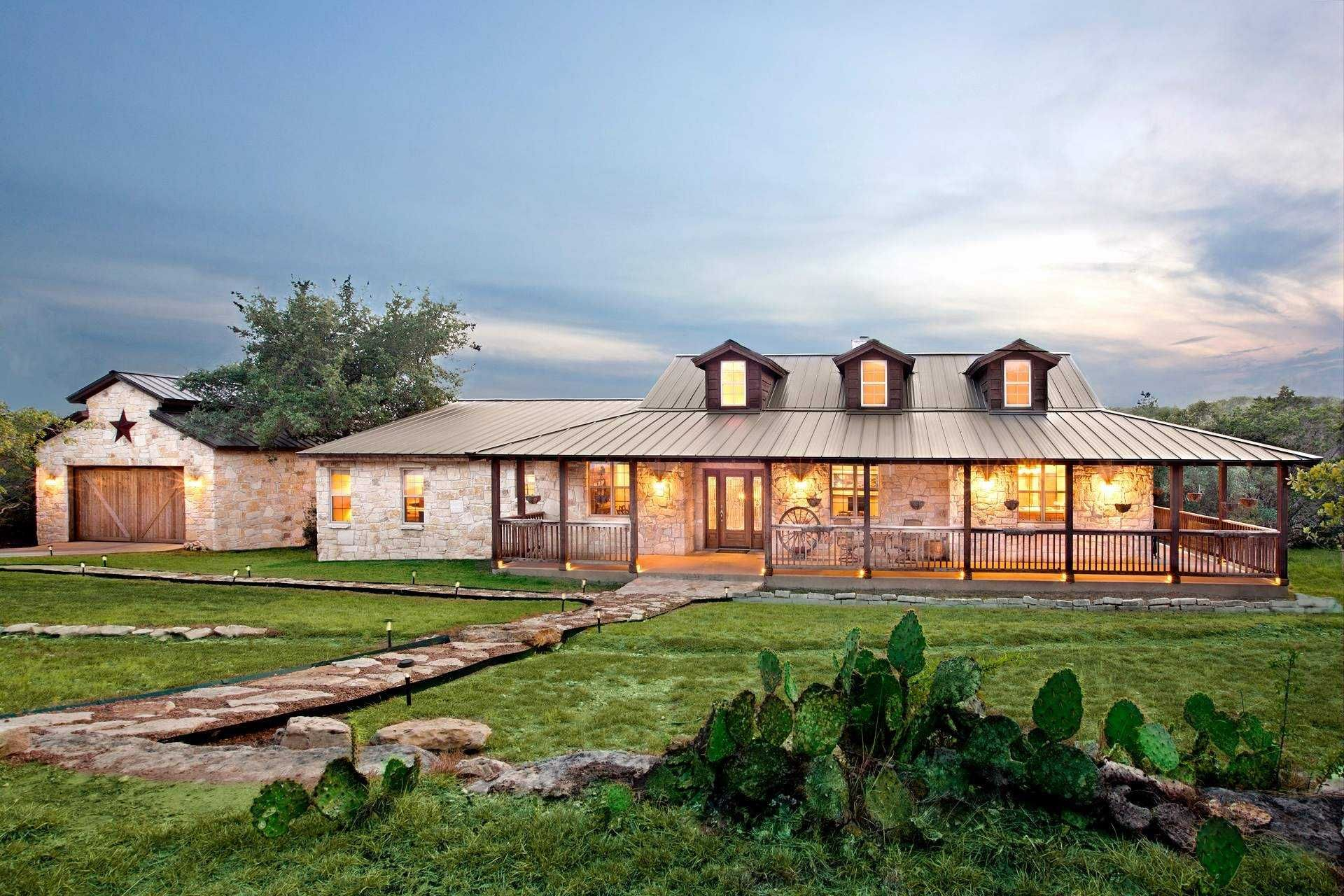 Simple Country Ranch Style House Lovely Simple Country Ranch Style House Texas Style House Plans Lo Ranch House Designs Ranch House Plans Ranch Style Homes