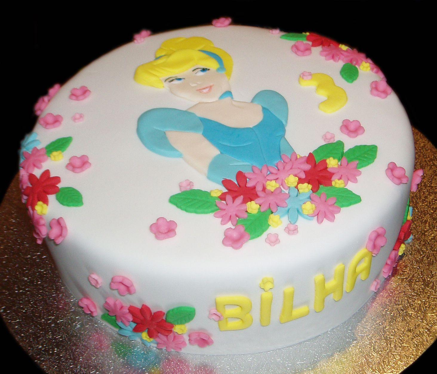 Cinderella Birthday Cake By Nadas Cakes Canberra Emma Lous 4th