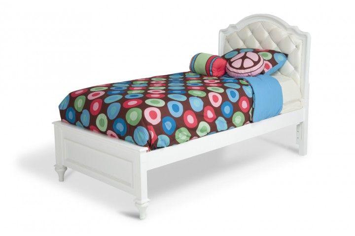 Madelyn Upholstered Full Bed