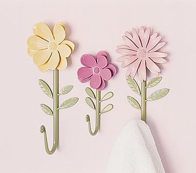 Kids Bedroom Hooks sweet little flower hooks (would be cute spray painted too