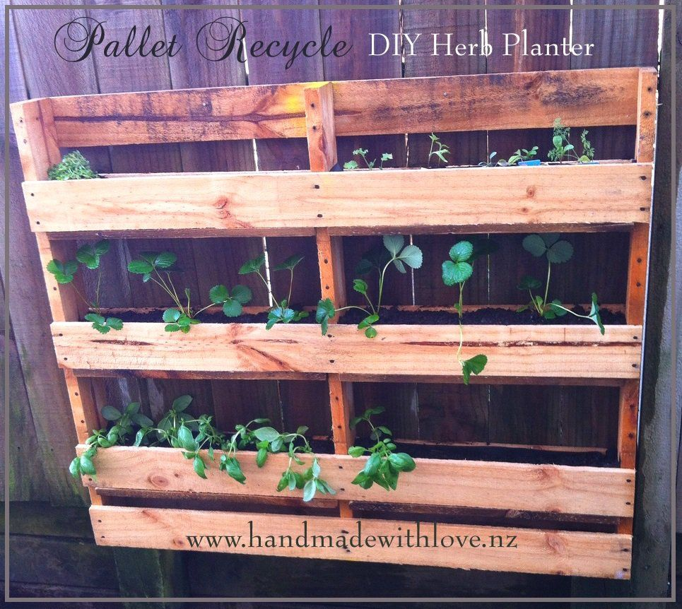 #Garden, #PalletPlanter, #RecyclingWoodPallets My friend just made me a pallet dismantling tool and that has been a fantastic help. However, I found a very clean pallet, but one strip was broken. So, I decided tocreate this DIY Vertical Pallet Herb Planter.  Here's how to make your own P