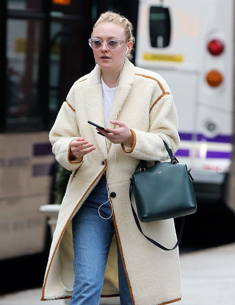 e11485d6c537 Prada and Céline Are the Obvious Celebrity Bag Faves This Week - PurseBlog