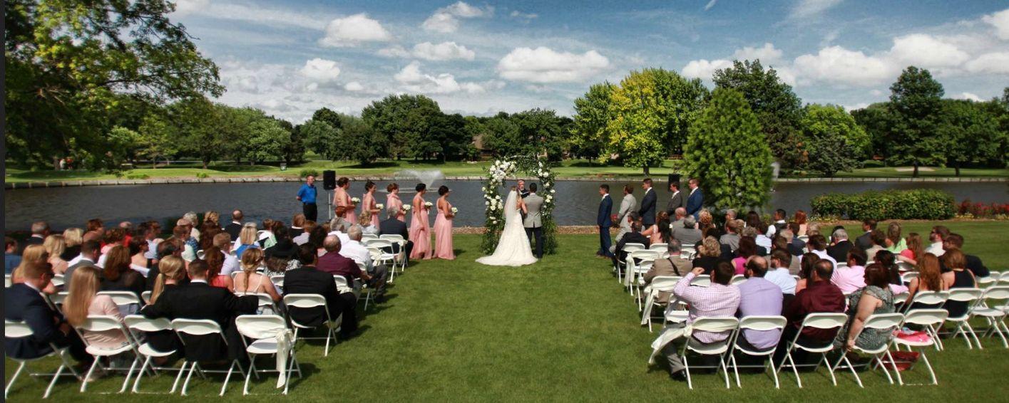 Find Oak Hills Country Club Omaha Wedding Venues One Of Best