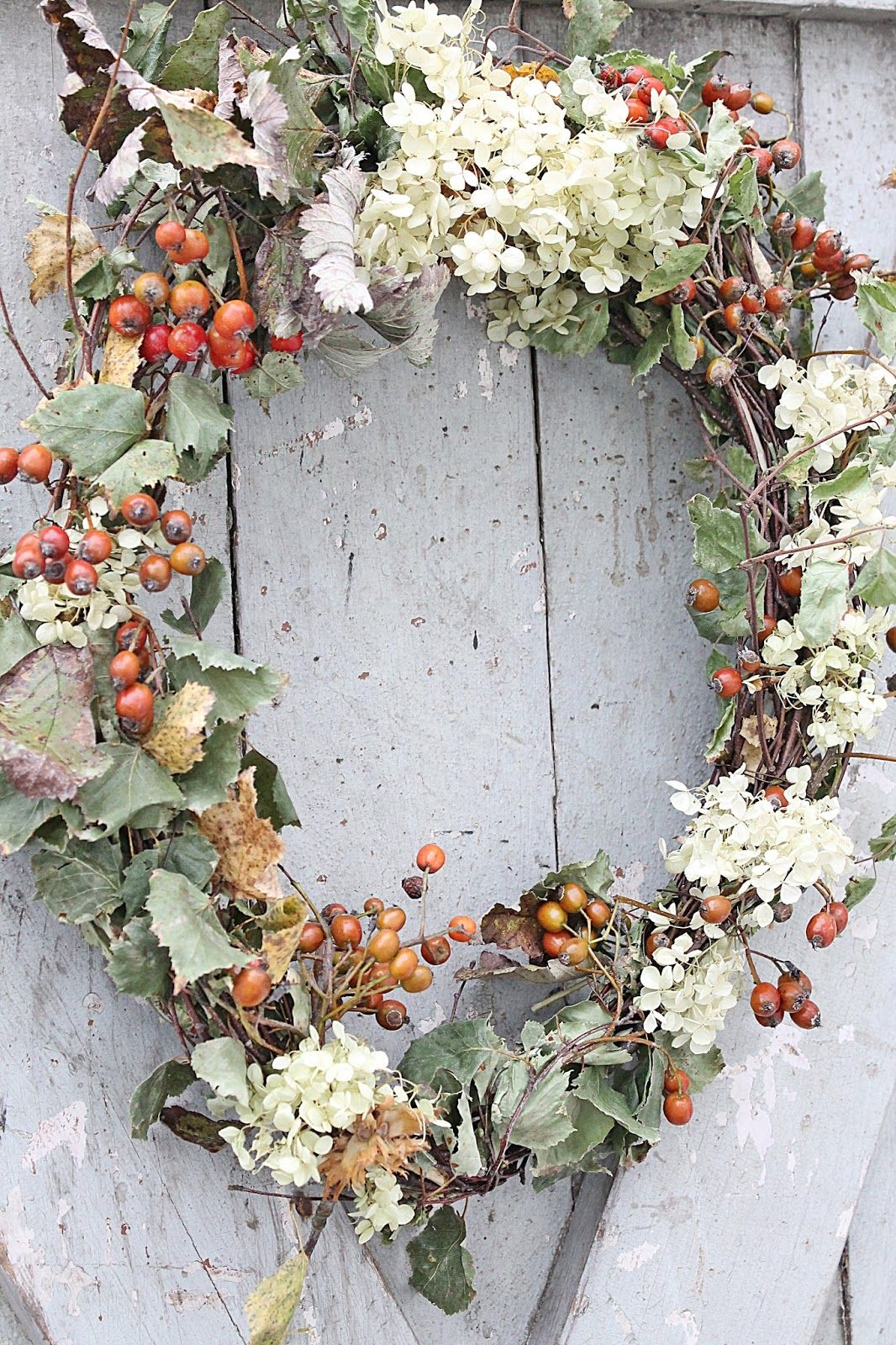 berry and hydrangea wreath ~ VIBEKE DESIGN: En sånn som jeg har drømt om....