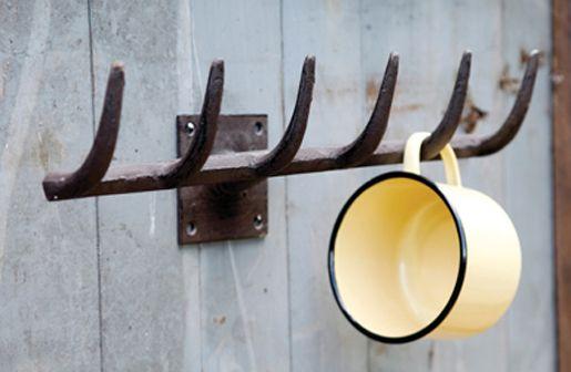 DECOR STEALS {Previously WULSU} $19.50 Farmhouse Vintage Iron Rake Wall Hook