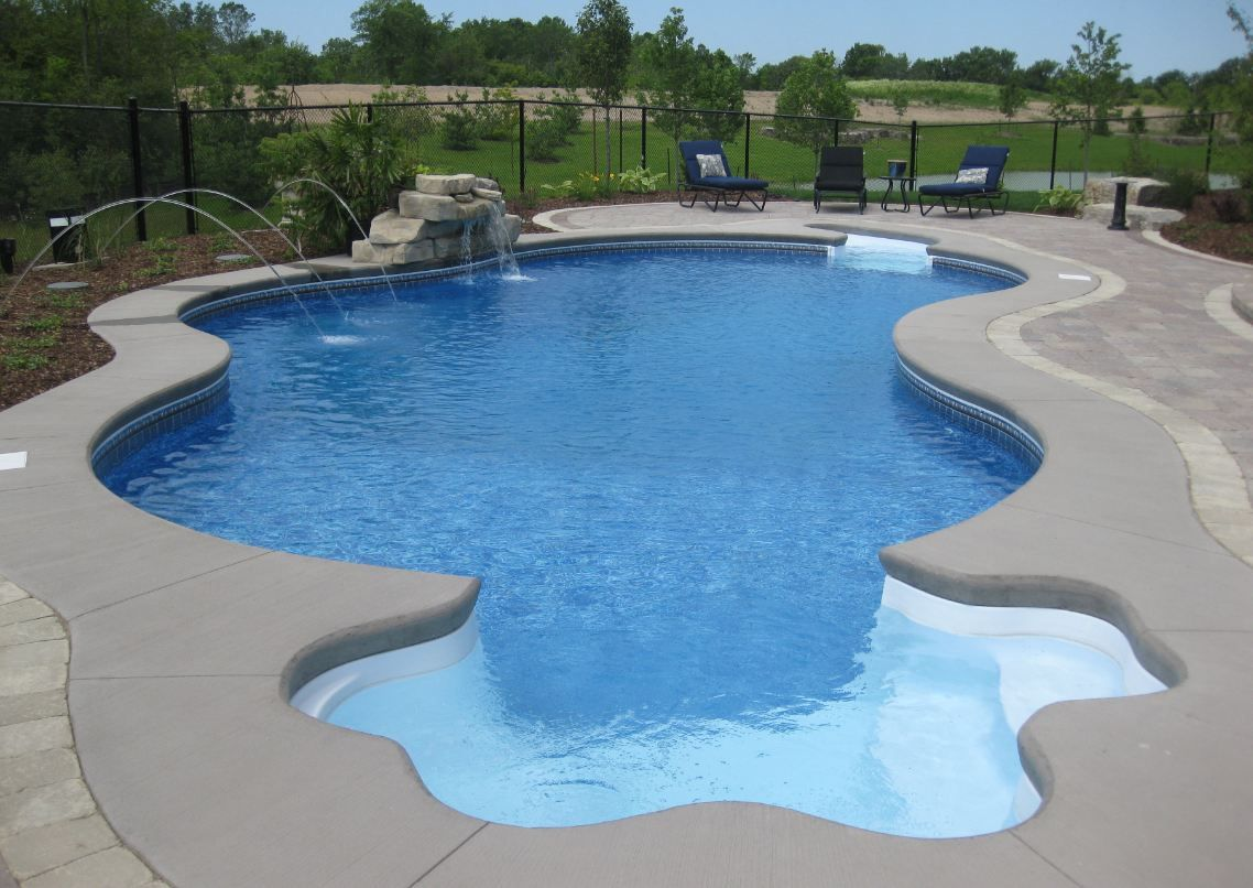 Small yard inground swimming pools swimming pool for Inground swimming pool plans