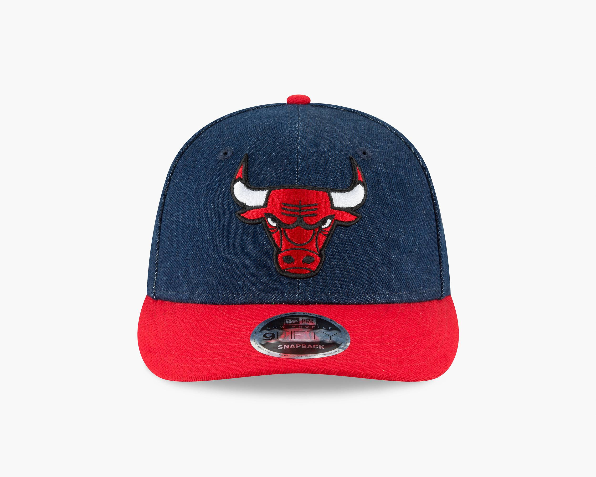 f5fb62e4275 LEVI S LEVI S® X NEW ERA® NBA CAP - CHICAGO BULLS DARK WASH.  levis ...