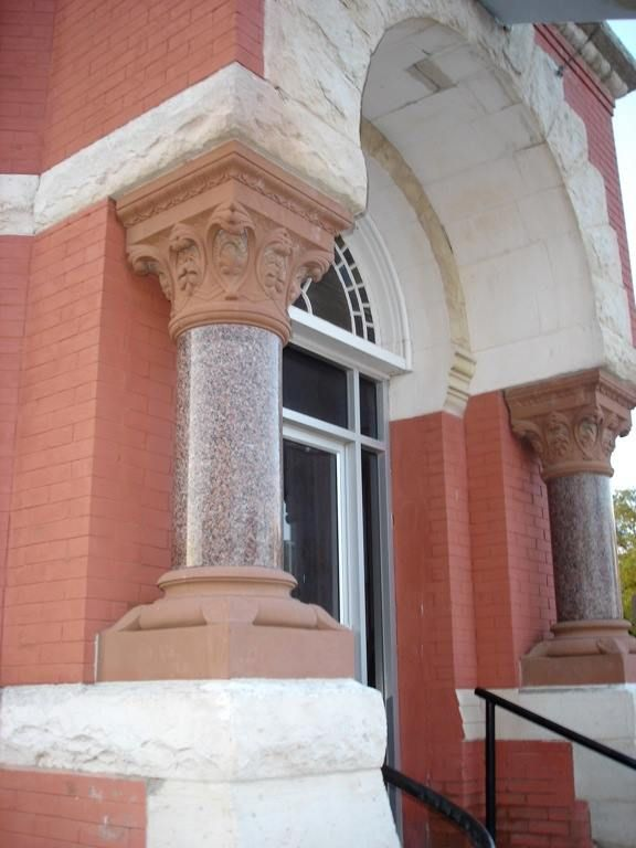 Old bank building, Mankato. Columns and arch form could be a potential pattern for a bandstand.