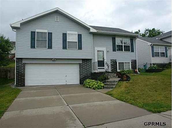 This 1380 square foot single family home has 3 bedrooms and 1.0 bathrooms. It is located at 7923   Newport Ave   Omaha, Nebraska. This home is in the Omaha School District. The nearest schools are Boyd, Morton and Northwest. #zillow