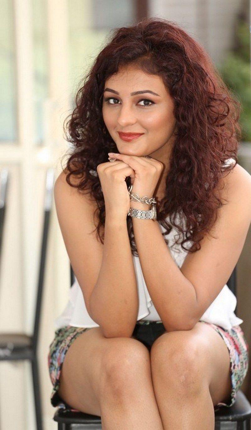 Seerat Kapoor Hot Thighs Scenes Gallery  Madhuri Dixit -7267