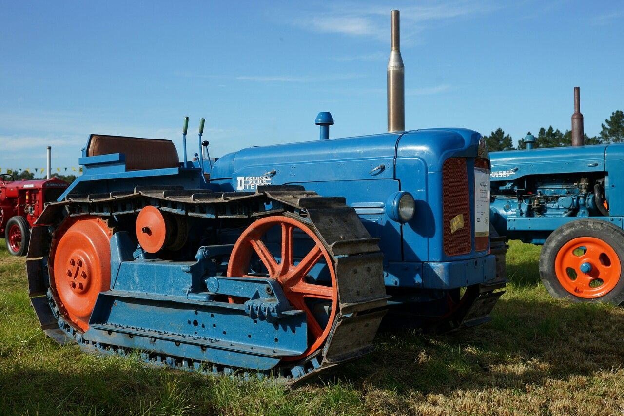 1956 Fordson County Crawler Old Tractors Pinterest