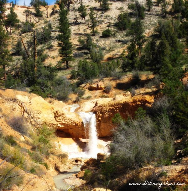 Bryce Canyon    Mossy Cave Waterfall    Dirt In My Shoes