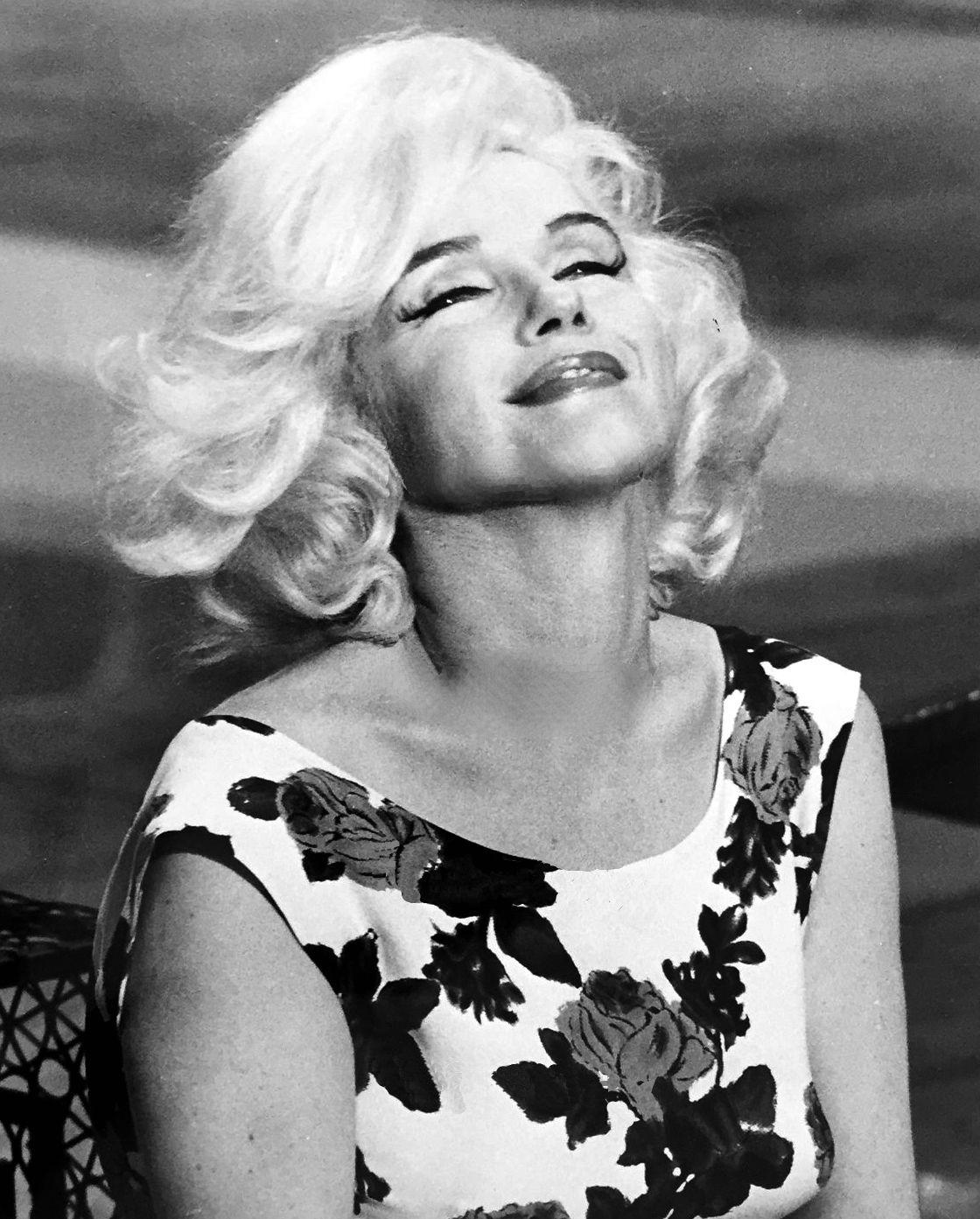 Marilyn Monroe on the set of