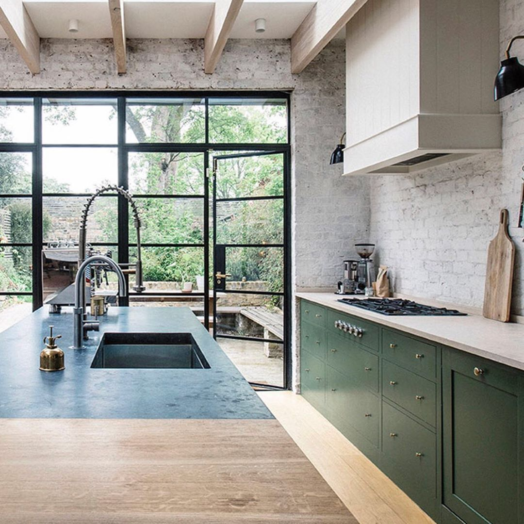 Sharon Hornsby Interior Chat On Instagram How About This Beauty By Plainenglishkit In 2020 Plain English Kitchen Traditional Kitchen Design English Kitchens Design