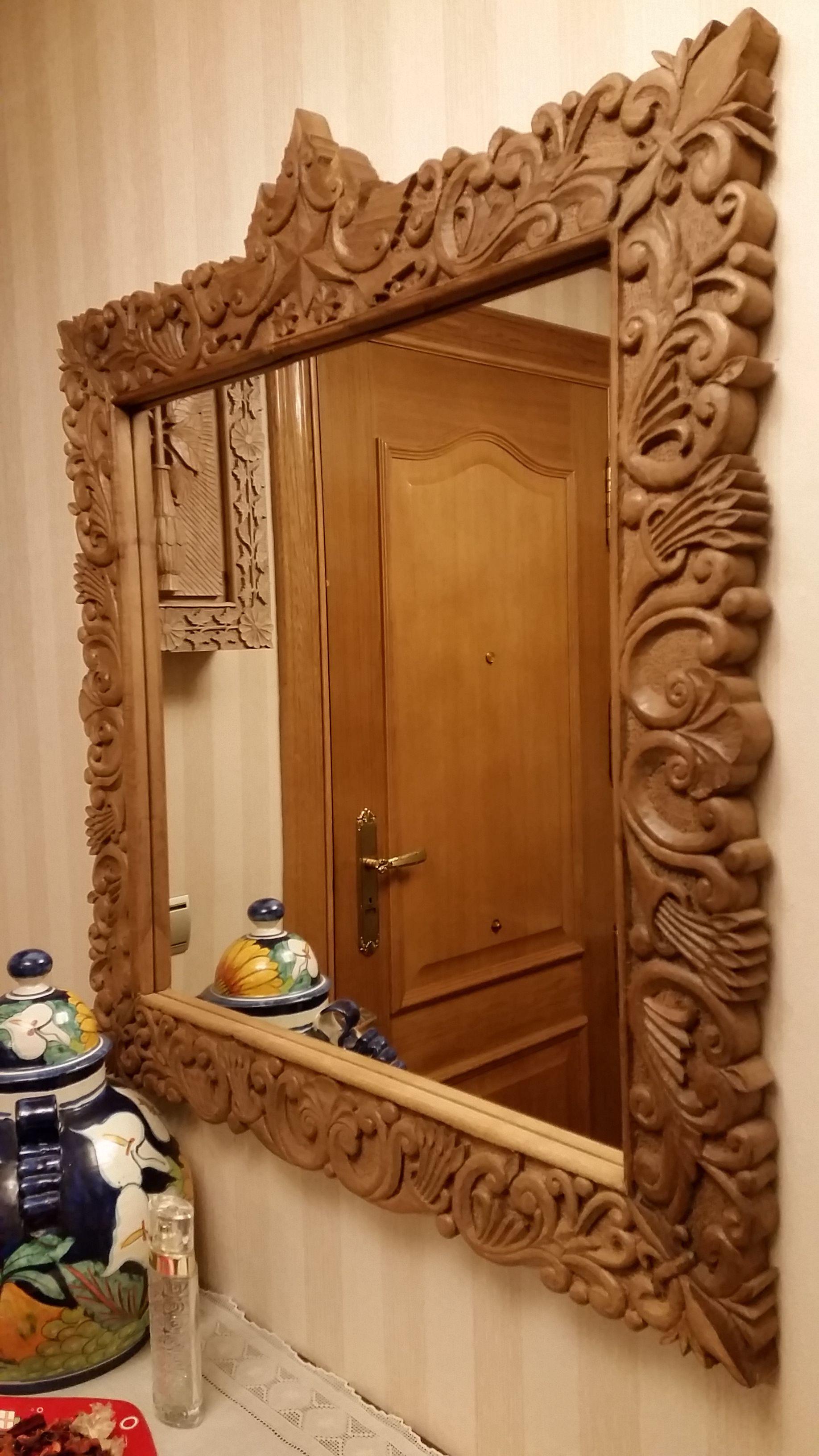 Espejo en talla de madera marcos pinterest talla de for Espejos de madera