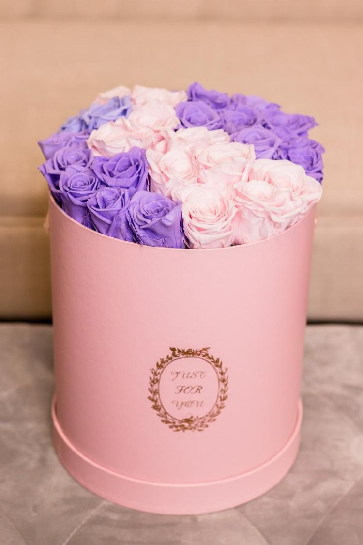 Pin By Frankie Blue On Vibe Flower Boxes Luxury Flowers Rose Bouquet Valentines