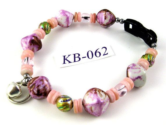 KB062 Raspberry Peach acrylic and shell Kitty Cat by OklahomaMama, $10.00