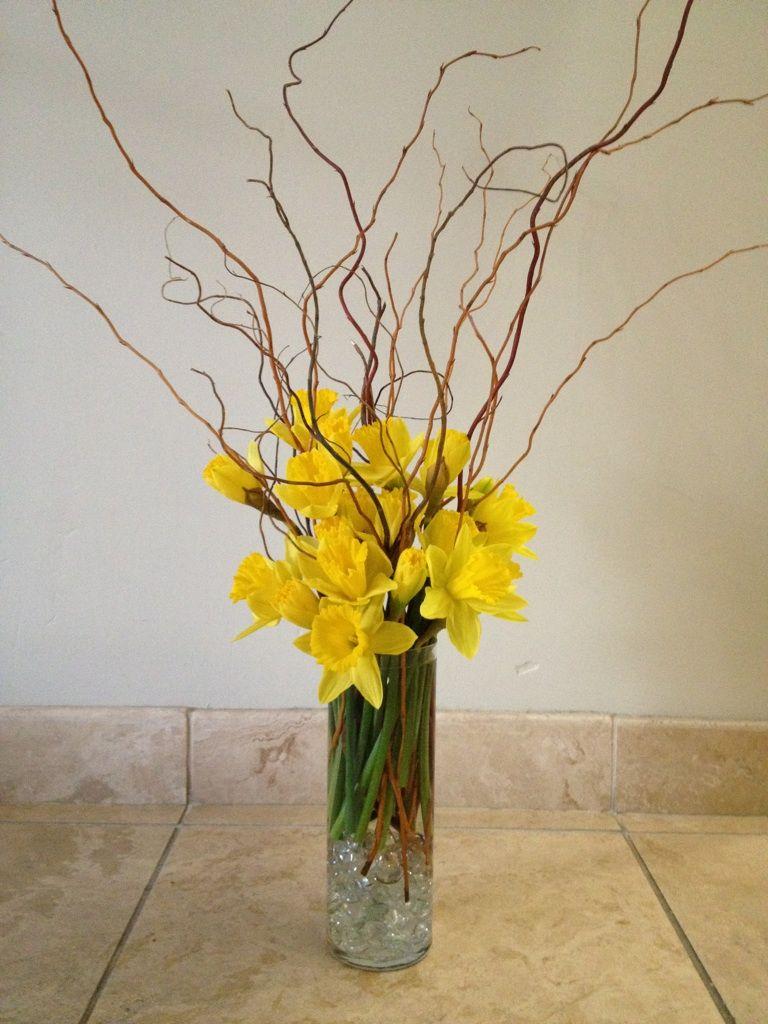 Daffodil Daze Table Arrangement Daffodil Curly Willow Www Gloryfloraldesigns Com Daffodil Day Altar Arrangement Flower Arrangements