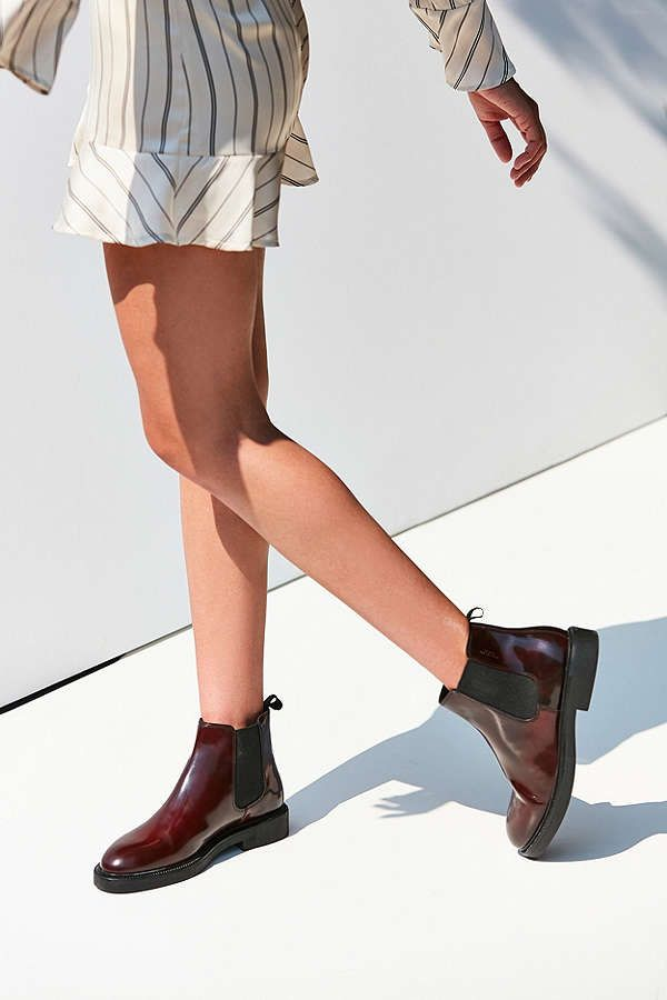 19a8514f075 Vagabond Alex Chelsea Boot from Urban Outfitters